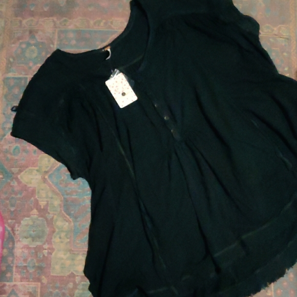Free People Tops - Free People Black oversized raw hem button up top